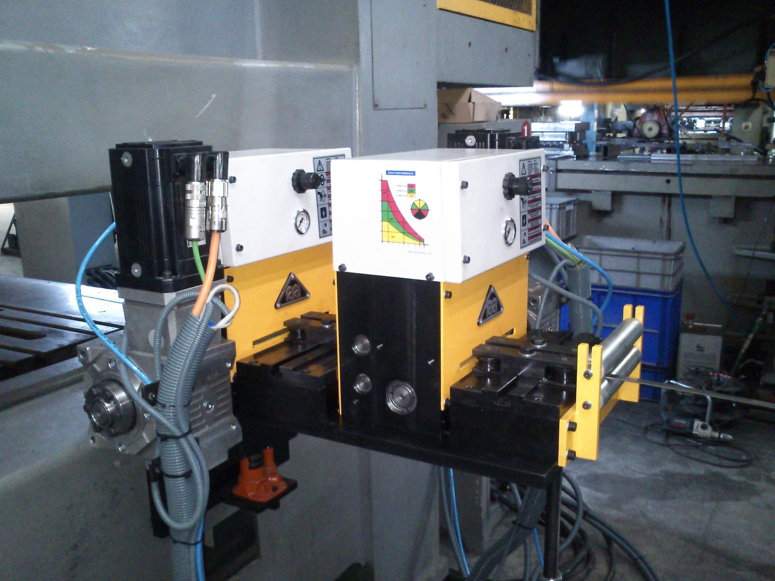 Серво валковые подающие устройства с чпу - macromak makina